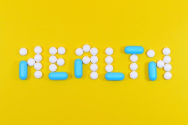 כתוב בריאות באנגלית באמצעות כדורים